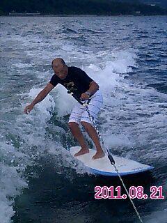 ボートの曳き波で~.jpg